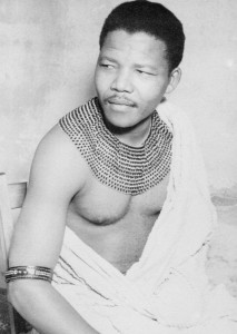 nelson-mandela-in-traditional-clothing