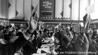Appel au-delà de Bad Godenberg : allez avec notre époque !